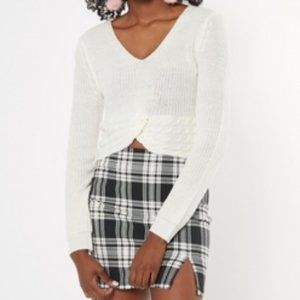 RUE21 Cropped Twisted  knit Sweater